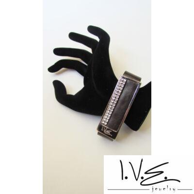 Vízszintes I.V.E. táblás 2 soros Swarovski köves bőr karpánt