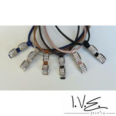 2 gyűrű betétes Swarovski köves  bőr nyaklánc