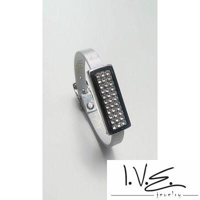 Kis táblás teli Swarovski® sorköves csatos vékony bőr karpánt